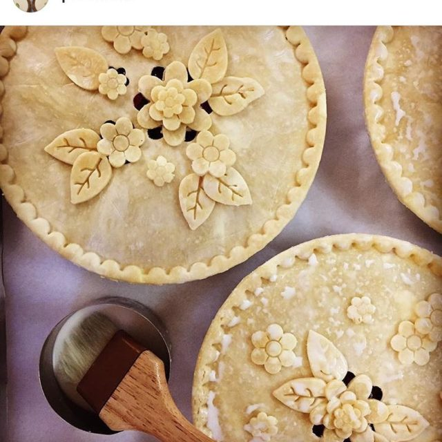 Check out these gorgeous pies from piechicks !!! Such ahellip